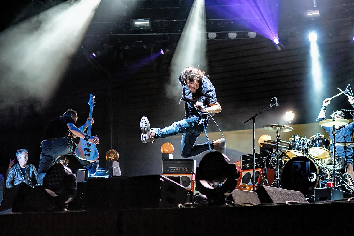 Pearl Jam at the Ride Festival, Telluride CO. 9 Jul 2016.